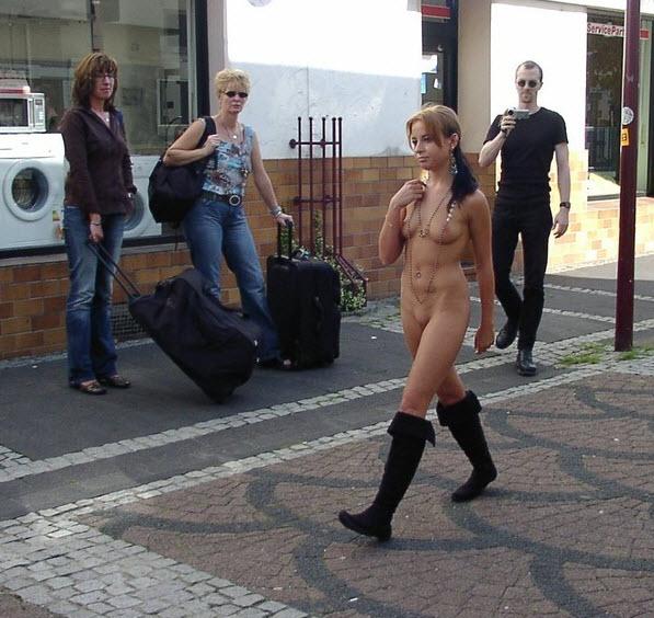 sexe bcbg pute nue dans la rue